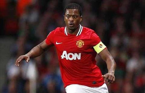 Huyen thoai Man Utd gay soc khi tro lai Premier League hinh anh