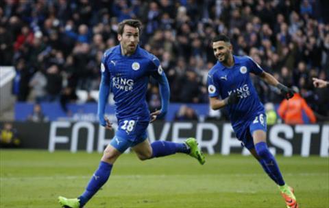 Leicester co chien thang thu 2 lien tiep sau khi HLV Ranieri bi sa thai