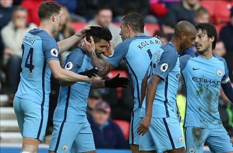 Man City thang Sunderland 2-0
