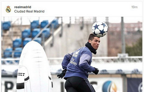 Cris Ronaldo tap luyen chuan bi cho tran dai chien voi Napoli.