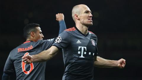 Bayern Munich lap ky luc khung sau man huy diet Arsenal.