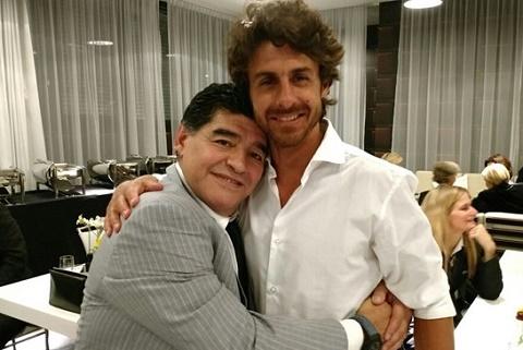 Huyen thoai Maradona se boc tham tim doi thu cho U20 Viet Nam hinh anh