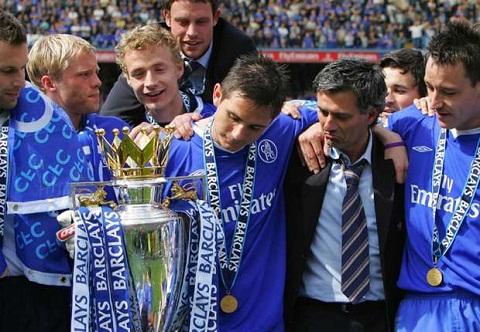 So sanh mua giai dau tien cua Mourinho va Conte o Chelsea hinh anh