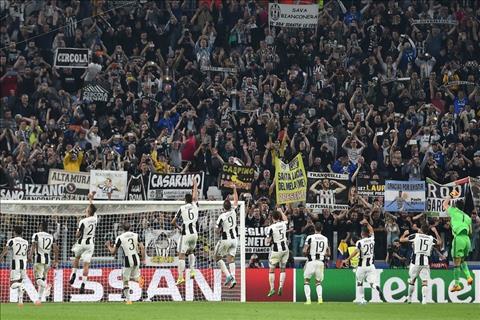 Juventus thang hoa tai chau Au Goi ten Mister Max hinh anh 4