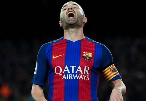 Barca don tin du ve Iniesta truoc them derby Catalan hinh anh