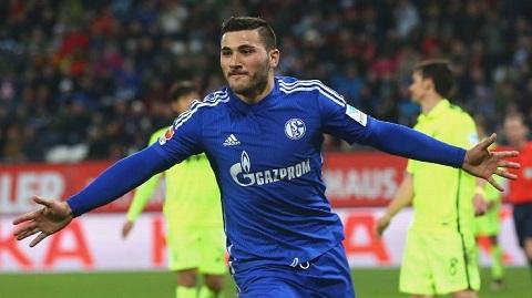 Wenger phu nhan viec thu nap hau ve tu Schalke hinh anh