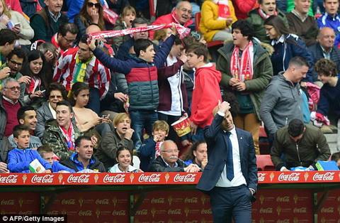 Hang phong ngu Real Madrid dem lai cho HLV Zidane con dau dau khong he nhe.