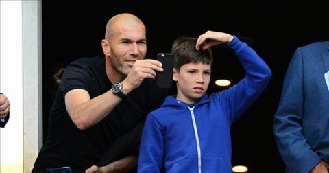 Con ut nha Zidane lap sieu pham giup Real thang Barca hinh anh