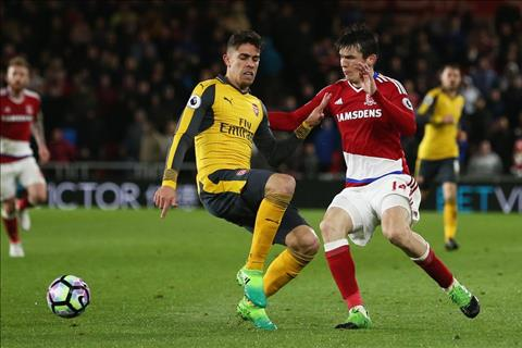 Gabriel o tran Arsenal thang Middlesbrough 2-1