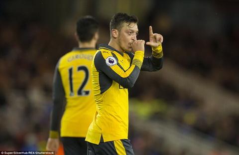 Middlesbrough 1-2 Arsenal Thang tro lai nho so do la hinh anh 2