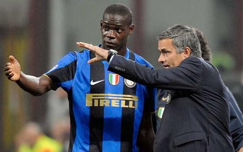 Balotelli chi thuc su thi dau an tuong khi lam viec cung Jose Mourinho.
