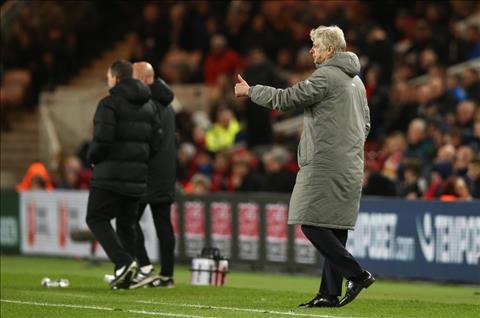 Arsenal thang nhoc Middlesbrough, Wenger van hai long hinh anh