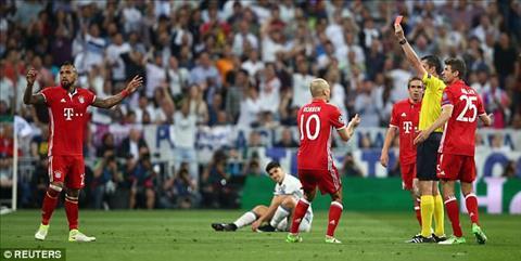 Trong tai tran Real 4-2 Bayern thua ca V-League hinh anh 3
