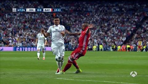 Trong tai tran Real Madrid 4-2 Bayern mac hang loat sai lam hinh anh 8