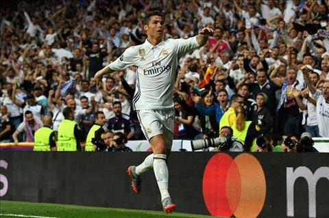 Toa sang truoc Bayern, Ronaldo len lop CDV Real hinh anh