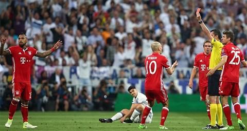 Du am Real 4-2 Bayern Bi kich tien ve Arturo Vidal hinh anh 3