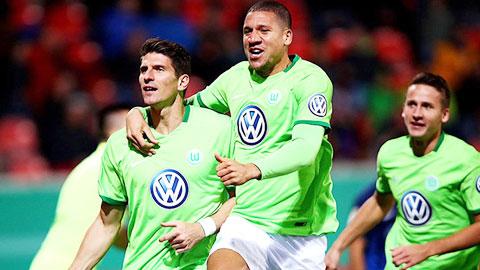 Nhan dinh Leverkusen vs Wolfsburg 22h30 ngay 24 (Bundesliga 201617) hinh anh