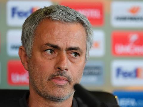 Jose Mourinho va Fellaini de doa Anderlecht truoc tran luot ve tu ket Europa League.