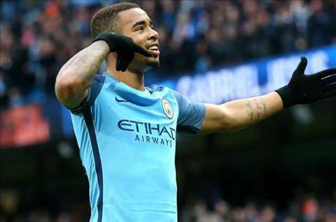 Man City nhan tin vui tu Jesus truoc dai chien voi Arsenal hinh anh