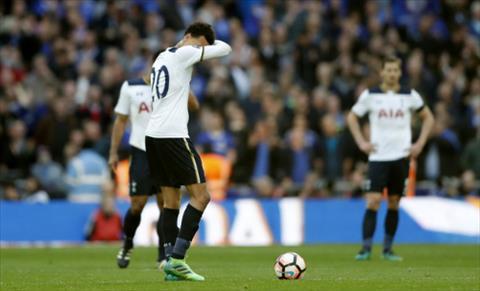 Tottenham da chien dau het minh truoc Chelsea. Anh: Reuters.