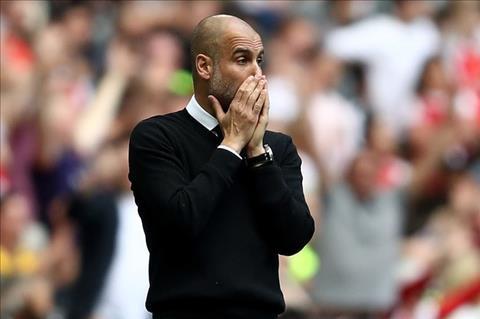 Arsenal 2-1 Man City Guardiola van lac loi trong suong mu hinh anh