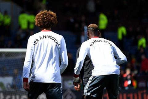 MU thang Burnley, Mourinho chi lo nghi ve Ibra va Rojo hinh anh