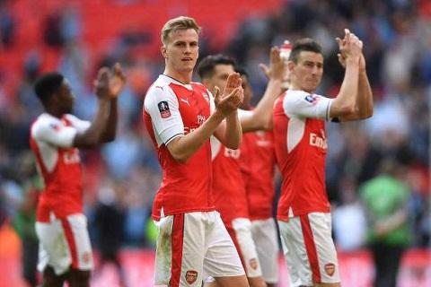 Arsenal quyet thang phan con lai cua mua giai hinh anh