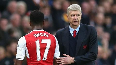Bi Wenger loai bo tien ve Alex Iwobi noi gi hinh anh 2