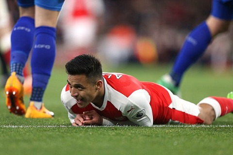 Henry Chi tien dao Sanchez du suc da cho Tottenham hinh anh 2