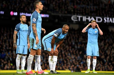 Du am Man City 0-0 MU Khong Silva, ra van de! hinh anh