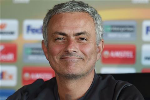 Mourinho Pogba chan thuong nhung toi co the ra san hinh anh