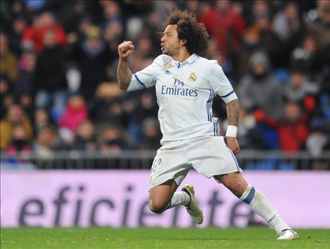 Real Madrid 2-1 Valencia Zidane khen Marcelo va Cavajal hinh anh 2