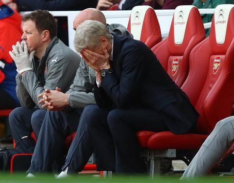 HLV Wenger Arsenal khong can mot cuoc cai to hinh anh