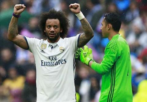 Marcelo gia han voi Real sau khi nhan an treo gio hinh anh