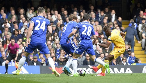 Hang thu Chelsea dang la van de lon nhat cua HLV Conte hinh anh
