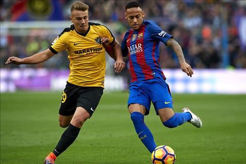 Malaga vs Barca (1h45 ngay 94) Tuong vay ma khong phai vay hinh anh