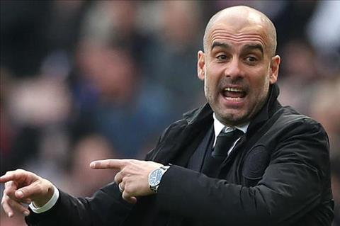 Guardiola gap mat lanh dao de ban ve tuong lai Man City hinh anh