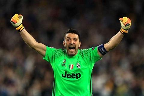 Chiellini danh gia cao thu mon Buffon hinh anh