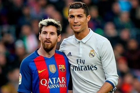 Messi khoe bo suu tap ao dau khung co so 7 cua Real hinh anh