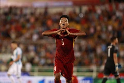 Ha Duc Chinh co the la nhan to bat ngo trong so do 4-4-2 bien the cua U20 Viet Nam.