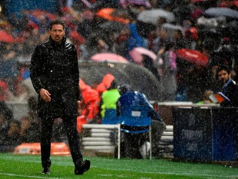 Atletico bi cam chuyen nhuong He 2017 hinh anh 6