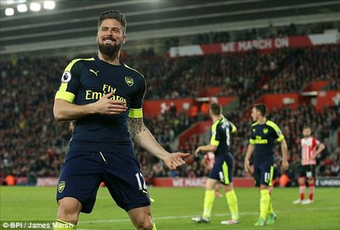 Giroud thua nhan co the roi Arsenal hinh anh