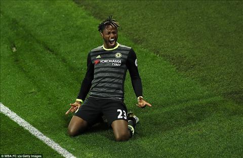 Everton hoi mua tien dao Michy Batshuayi cua Chelsea hinh anh 2