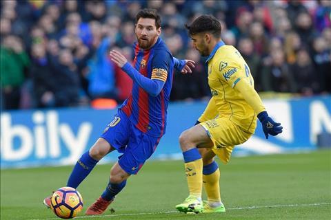 Doi hinh tieu bieu chau Au 201617 Co Messi khong Ronaldo hinh anh 4