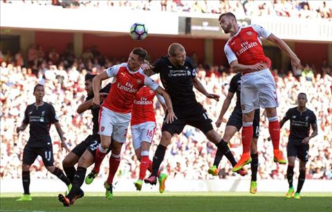 Arsenal va Liverpool se vang top 4 Premier League hinh anh