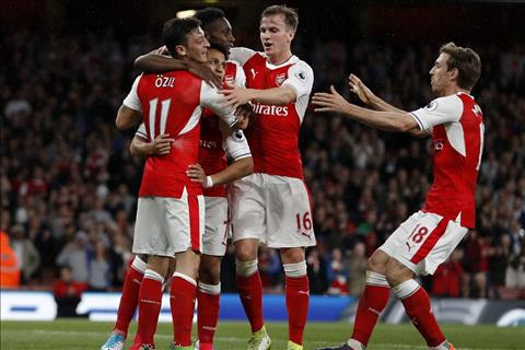 Quan diem Wenger di hay o, chuyen nhuong Arsenal van can bom tan he nay hinh anh 3