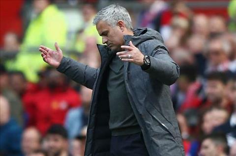 Mourinho da xoay Ajax truoc them chung ket Europa League hinh anh