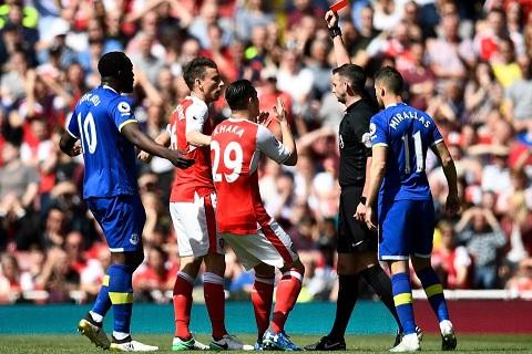 Arsenal vs Chelsea (23h30 ngay 275) Lay gi de can Chelsea hinh anh