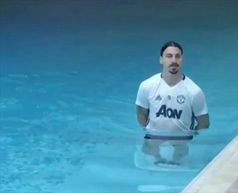 Ibrahimovic tai xuat tran chung ket Europa League hinh anh