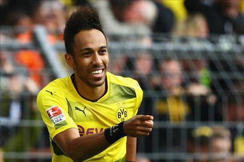 Dortmund chot gia ban tien dao Aubameyang hinh anh